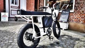 Schnell zum Einkauf, das passt das Rad sehr gut. Auf kurzen Strecken ist es praktischer, als es aussieht.