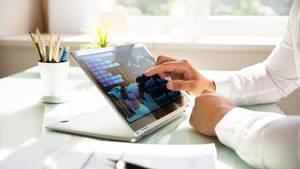 Laptops mit Touchscreen sind Hybride, die sich als besonders flexibel erweisen