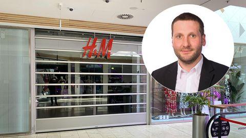 """Große Filialen bleiben weiterhin erst einmal dicht. Läden bis 800 Quadratmeter zu öffnen sei jedoch ein """"Kompromiss zwischen Normalisierung und Gesundheitsschutz""""."""