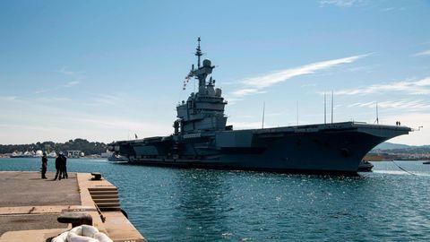 """Die """"Charles de Gaulle"""" im Hafen von Toulon"""