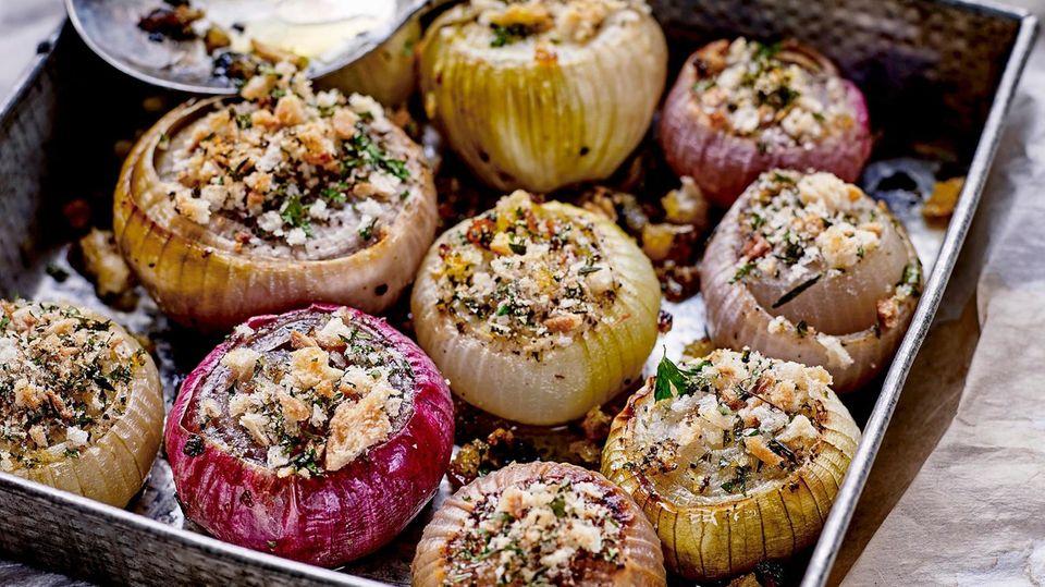 Gefüllte Zwiebeln aus dem Ofen