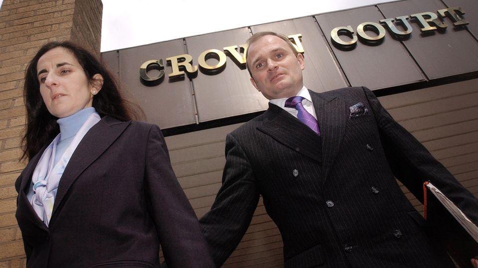 Charles Ingram und seine Frau Diana am Rande des Prozesses 2003