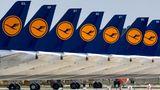 Auf dem Areal des neuen Hauptstadtflughafens Berlin-Brandenburg (BER)hat Lufthansa abseits der Start- und Landebahn einen Teil ihrer Airbus A320-Flotte abgestellt.