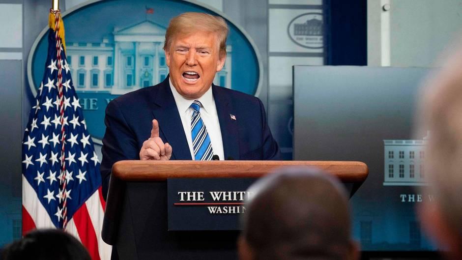 Morgenlage - Trump scheibt Verantwortung für Corona-Tests den Gouverneuren zu