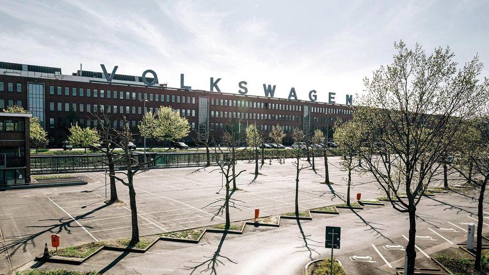 Der Parkplatz von Volkswagen in Kassel