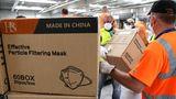 """Die Kartons mit Masken wurden """"für einen Privatkunden transportiert"""", heißt es offiziell. In Frankreich sind mehr als 156.000 Menschen mit dem Coronavrus infiziert und bereits mehr als 20.000 verstorben."""
