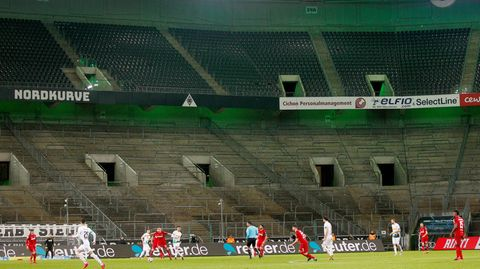 Bonjour tristesse am 11. März: Vielleicht ist das Bild vom bislang einzigen Geisterspiel zwischen Gladbach undKöln bald der Standard, anden sich die Fußball-Fans gewöhnen müssen