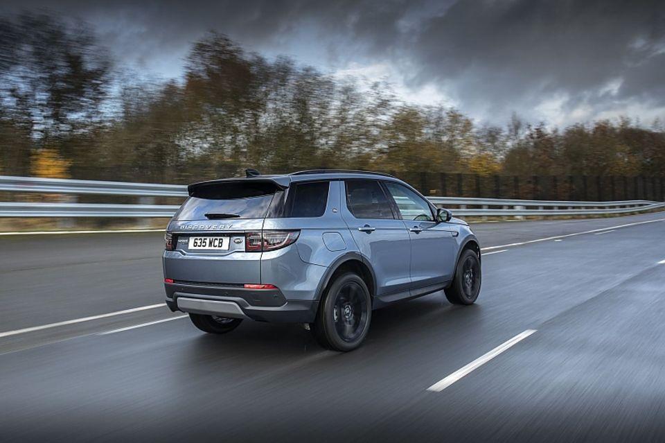 Der Land Rover Discovery Sport P300e PHEV ist ab 49.250 Euro zu haben