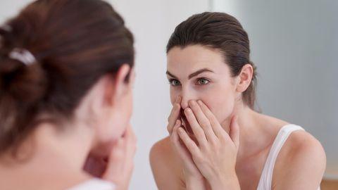 Große Poren können das Hautbild unrein erscheinen lassen