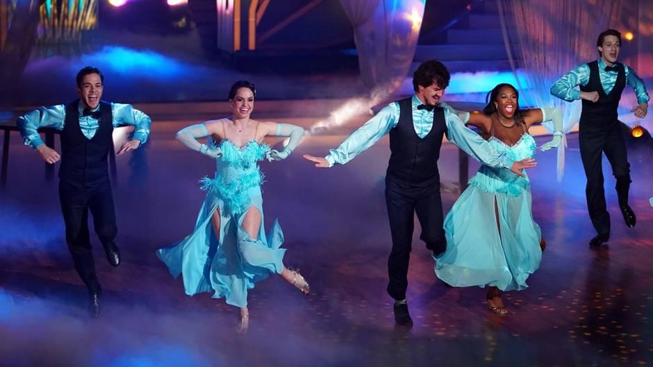 Let's Dance: Jede Woche begeistern die Promis ihre Fans auf dem Tanzparkett.