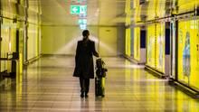 Durch die Auswirkungen des Coronavirus: Die Gänge amRhein-Main-Airport sind leer.