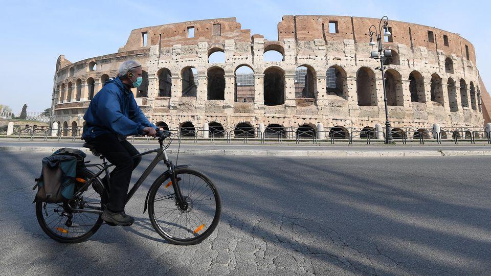 Kollosseum in der italienischen Hauptstadt Rom während der Cornavirus-Pandemie