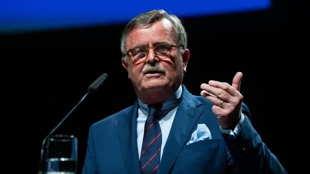 Weltärztepräsident Frank Ulrich Montgomeryfordert FFP2-Schutzmasken für alle Bürger
