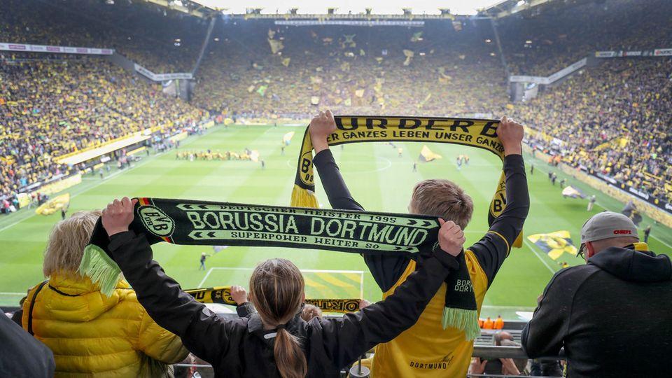 Mit rund 80.000 Menschen im Stadion, wie bei jedem Spiel in Dortmund, macht Fußball natürlich mehr Spaß