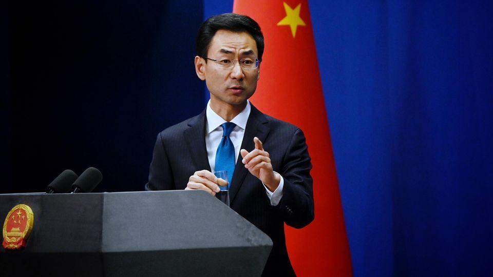 """US-Politiker verbreiteten """"unverschämte Lügen"""" über die Corona-Pandemie, sagte der chinesische Außenamtssprecher Geng Shuang"""