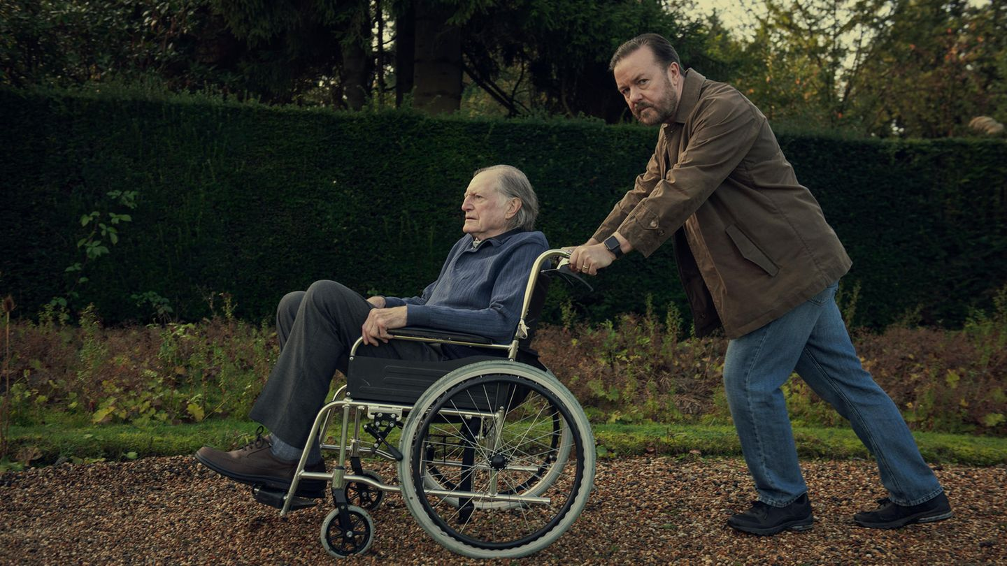 "Ricky Gervais in ""After Life"""
