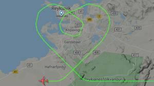 Die Flugroute der Boeing 767 von Icelandair kurz vor Landung auf dem Keflavík-Airport auf Island