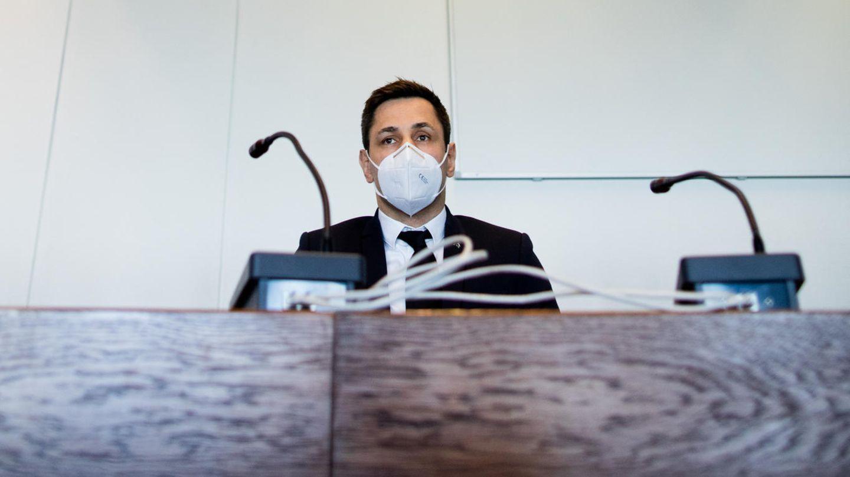Felix Sturm vor der Urteilsverkündung im Gerichtssaal des Landgerichts Köln