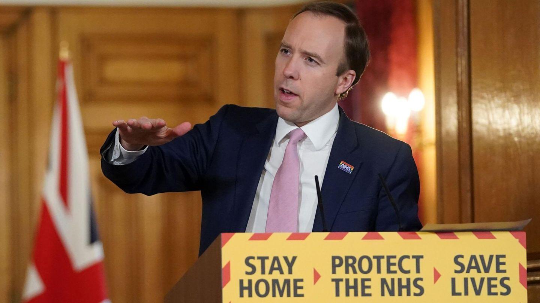 Der britische Gesundheitsminister Matt Hancock gibt in London die aktuellen Zahlen zur Coronakrise bekannt