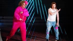 """Ilka Bessin stand bei """"Let's Dance"""" noch einmal als Cindy aus Marzahn auf der Bühne. Ihr Tanzpartner im Unterhemd: Oliver Pocher"""