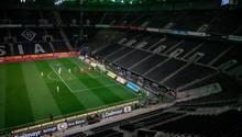 Leeres Fußballstadion