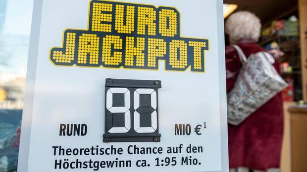 Schild Eurojackpot 90 Millionen Euro