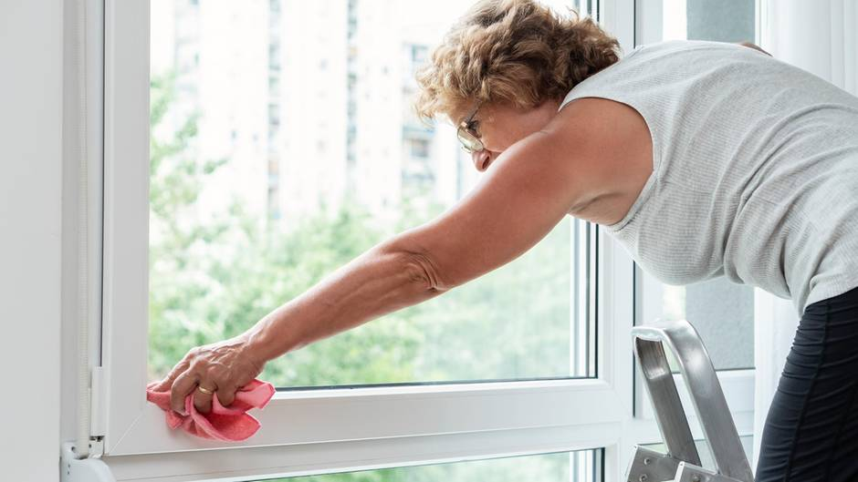 Fensterrahmen benötigen eine besondere Pflege
