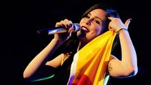 Lena Meyer-Landrutmit Deutschlandflagge