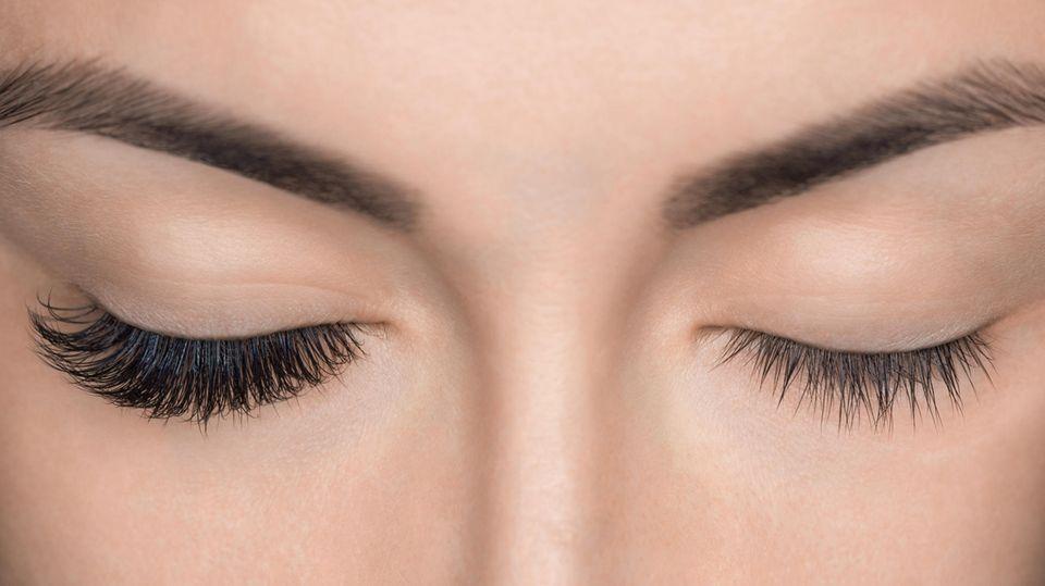 Magnetische Wimpern können optisch einen deutlichen Unterschied machen (Symbolbild)