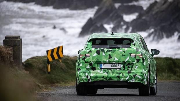Der Škoda Enyaq ist von den Dimensionen her unter dem Kodiaq angesiedelt