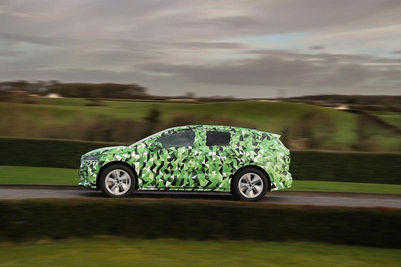 Mit gut 4,6 Metern Länge ist der Škoda Enyaq ein ausgewachsenes SUV