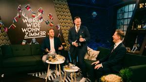 """Youtuber Freshtorge in der Sendung """"World Wide Wohnzimmer - das ESC-Halbfinale 2020"""""""