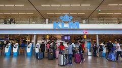 Platz 9: Amsterdam (AMS), Niederlande  Im Gegensatz zu den Vorjahren gelang Amsterdam-Schiphol der Sprung in die Top-Ten-Airports. Damit ist der Heimatflughafen von KLM auch der beste von Westeuropa.