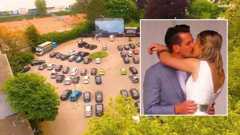 Collage: Autokino, küssendes Ehepaar