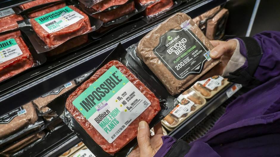Packungen von Beyond Meat und Impossible Foods