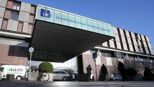 Eingang der Universitätsklinik Hamburg-Eppendorf
