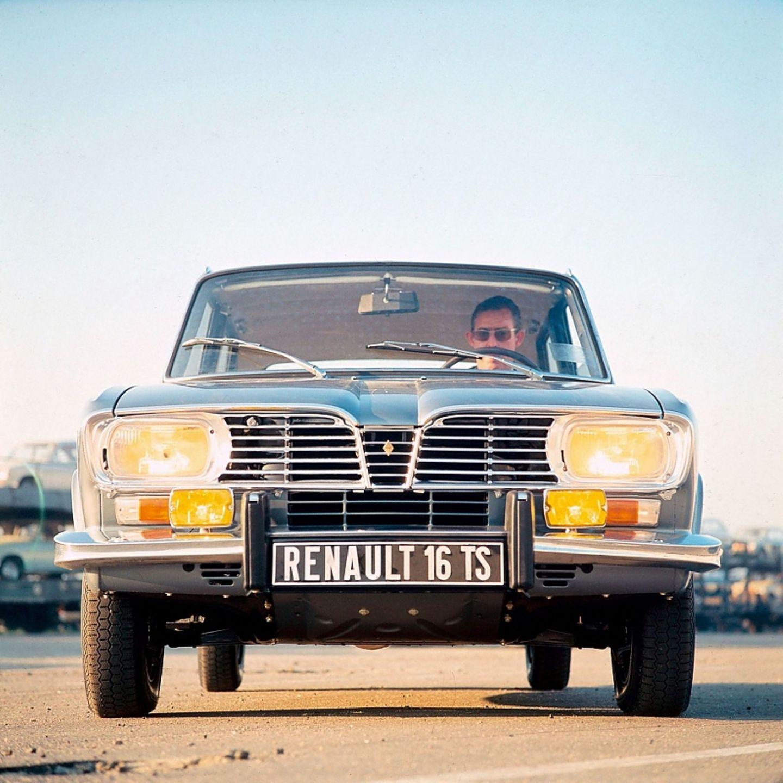 Ab 1974 hatte der Renault 16 Doppelscheinwerfer