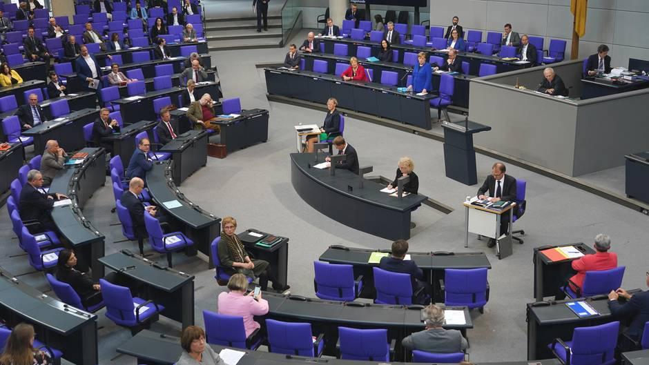 Entlastung in der Coronakrise: Der Deutsche Bundestag entscheidet am Donnerstag über das Sozialpaket II