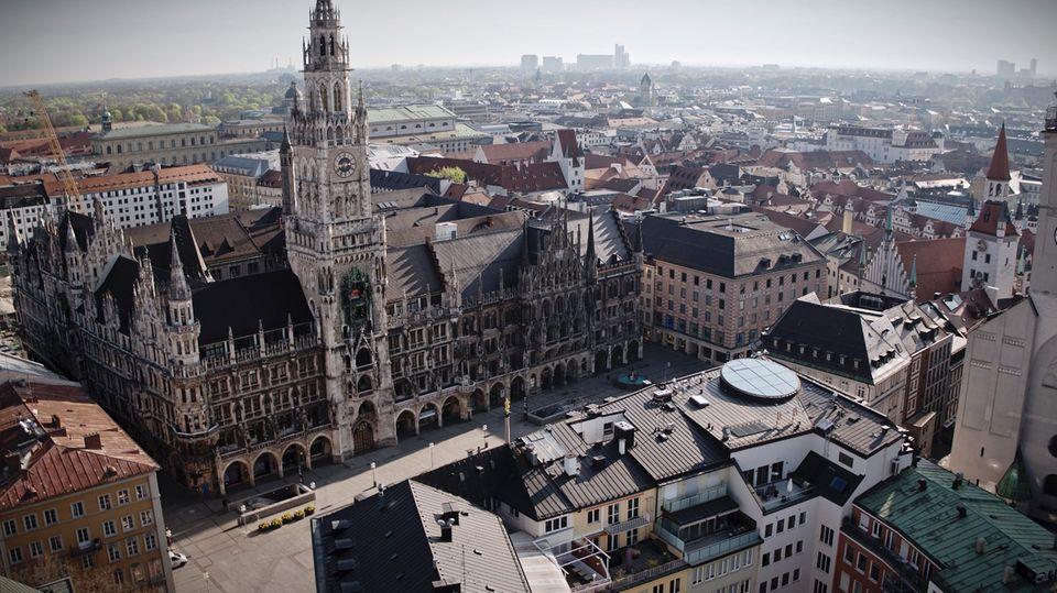 Drohnenaufnahmen von München im Corona-Lockdown.