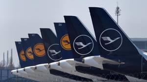 Geparkte Flugzeuge der Lufthansa