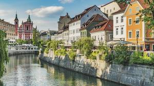 Uferpromenadein der slowenischen Hauptstadt Ljubljana – die Regierung hat die Coronavirus-Pandemie im Land für beendet erklärt