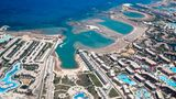 Ägypten  Esist weiter unklar, wann an beliebten Strandorten wie Hurghada (Foto) und Scharm El-Scheich wieder Normalität einkehrt. Hotels dürfen für einheimische Urlauber bei 25 Prozent Belegung inzwischen aber wieder öffnen und ab 1. Juni bei 50 Prozent Belegung. Die Hotels müssen unter anderem Desinfektionsmittel am Eingang bereitstellen und das Gepäck der Gäste bei Ankunft und Abreise desinfizieren.      Wenn die Grenzen wieder öffnen, soll auch an Flughäfen sichergestellt werden, dass Reisende einen Mindestabstand zueinander einhalten können. Experten schätzen, dass der ägyptischen Tourismusbranche wegen der Pandemie pro Monat Einnahmen von einer Milliarde US-Dollar entgehen.