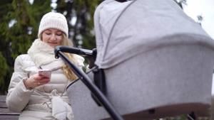 Diese Auswirkungen haben Handys auf die Beziehung zwischen Eltern und Kindern