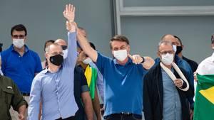 Bolsonaro posiert mit Lockdown-Gegnern