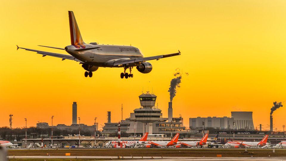 TXL in Bildern: Letzter Aufruf TXL: Der Berliner Flughafen Tegel macht früher dicht - wohl für immer