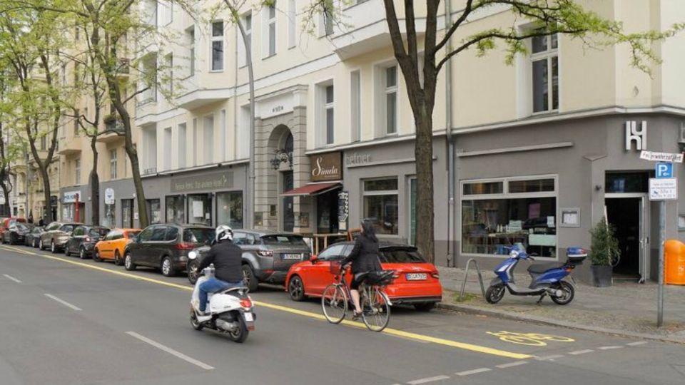 Schildbürgerstreich: Verkehrsplanung absurd - Berlin macht Bike-Lane zum Parkplatz