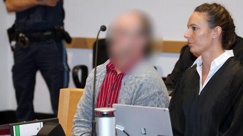 Der Bauer während der Gerichtsverhandlung