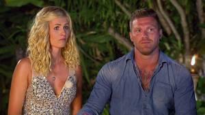 """Die Show """"Temptation Island"""" endete fürHannah und Till mit einem Heiratsantrag. Doch die Hochzeit fällt aus."""