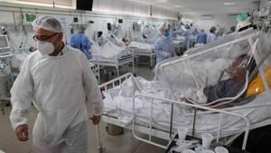 Corona-Infizierte in einem Krankenhaus in Manaus, Brasilien