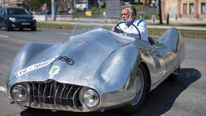 """80 Jahre alter Sportwagen erstmals gebaut: Diesen """"Silberpfeil"""" gab es bisher nur auf dem Papier"""